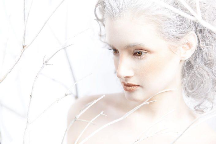 viola, frost, beauty, make up, 2