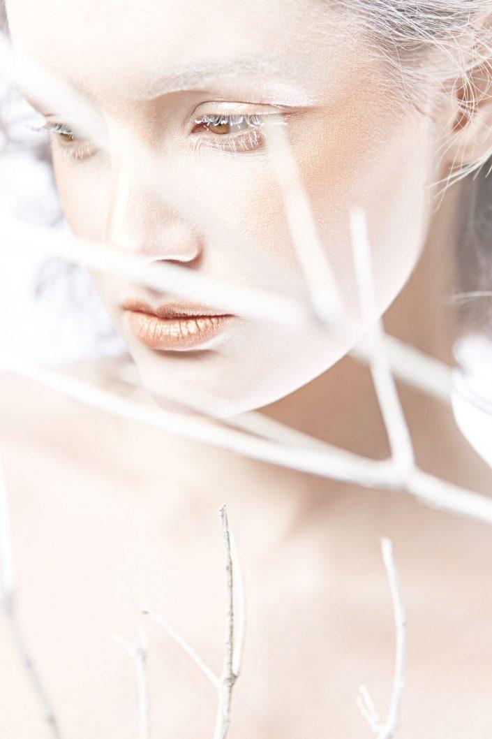 viola, frost, beauty, make up, 1