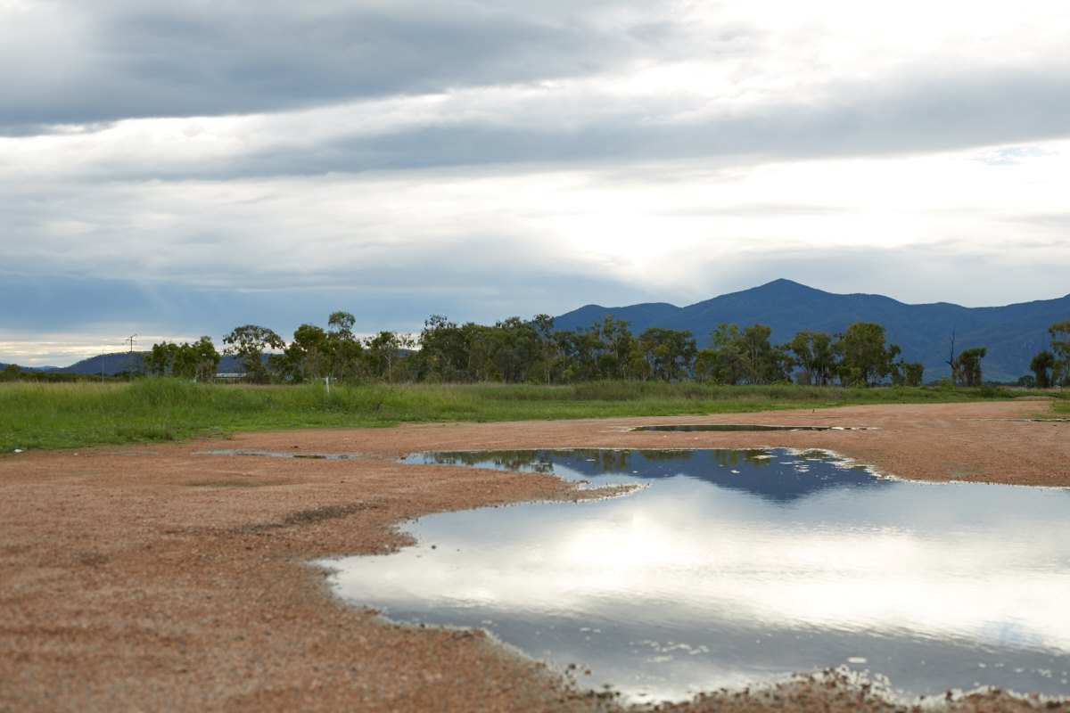 australien-39, berge, pfuetze, spiegelung, landschaft