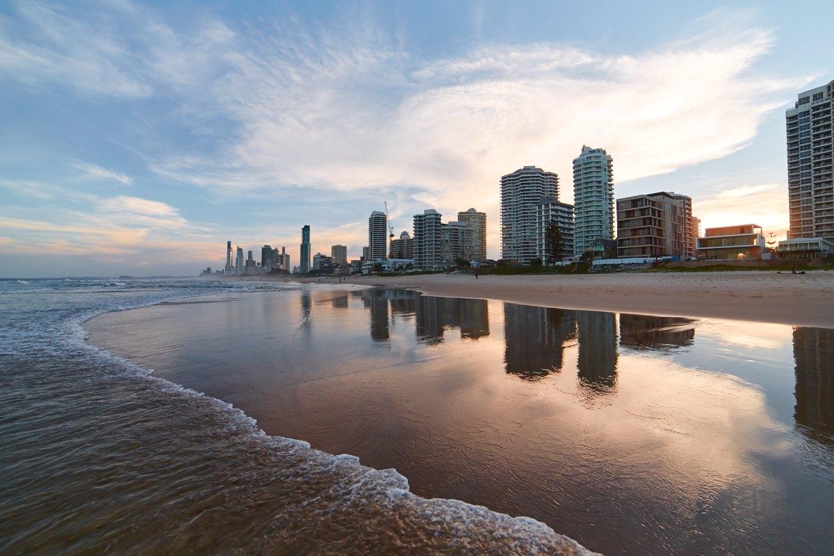 australien-4, surfers paradise, hochhaus, abendstimmung